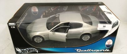 Hotwheels metal collection 1/18 scale die cast metal model of Maserati Quattro Porte (boxed)