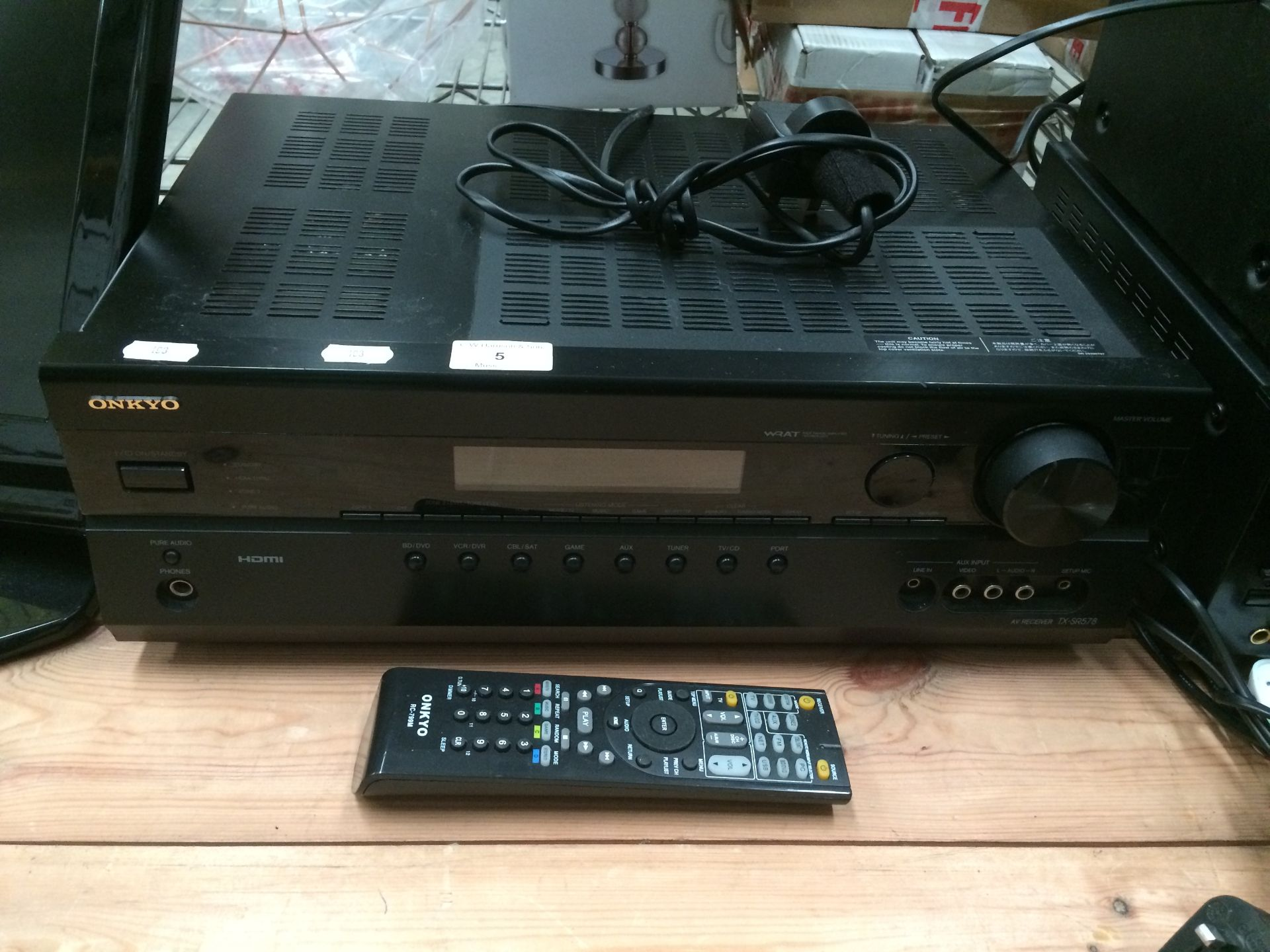 Lot 5 - Onkyo TX-SR578 AV-receiver complete with remote control