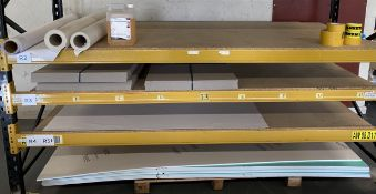 Contents to shelves - 9 x Palight foam P
