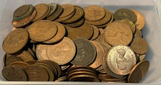 Contents to tub - a quantity of George VI and Elizabeth II pennies,