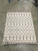 A Surya BHR-2313 anthracite/cream rug -