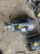 Sever KMG90L2 No. 138671/82 220V. Stored near Gorleston, Norfolk. No VAT on this item.