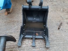 New 450 mm digger bucket, 35 mm pins and 180 mm pin centres. Stored near Eye, Suffolk.