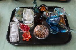 A tray of glass paperweights, animals etc including two Mdina glass pieces,