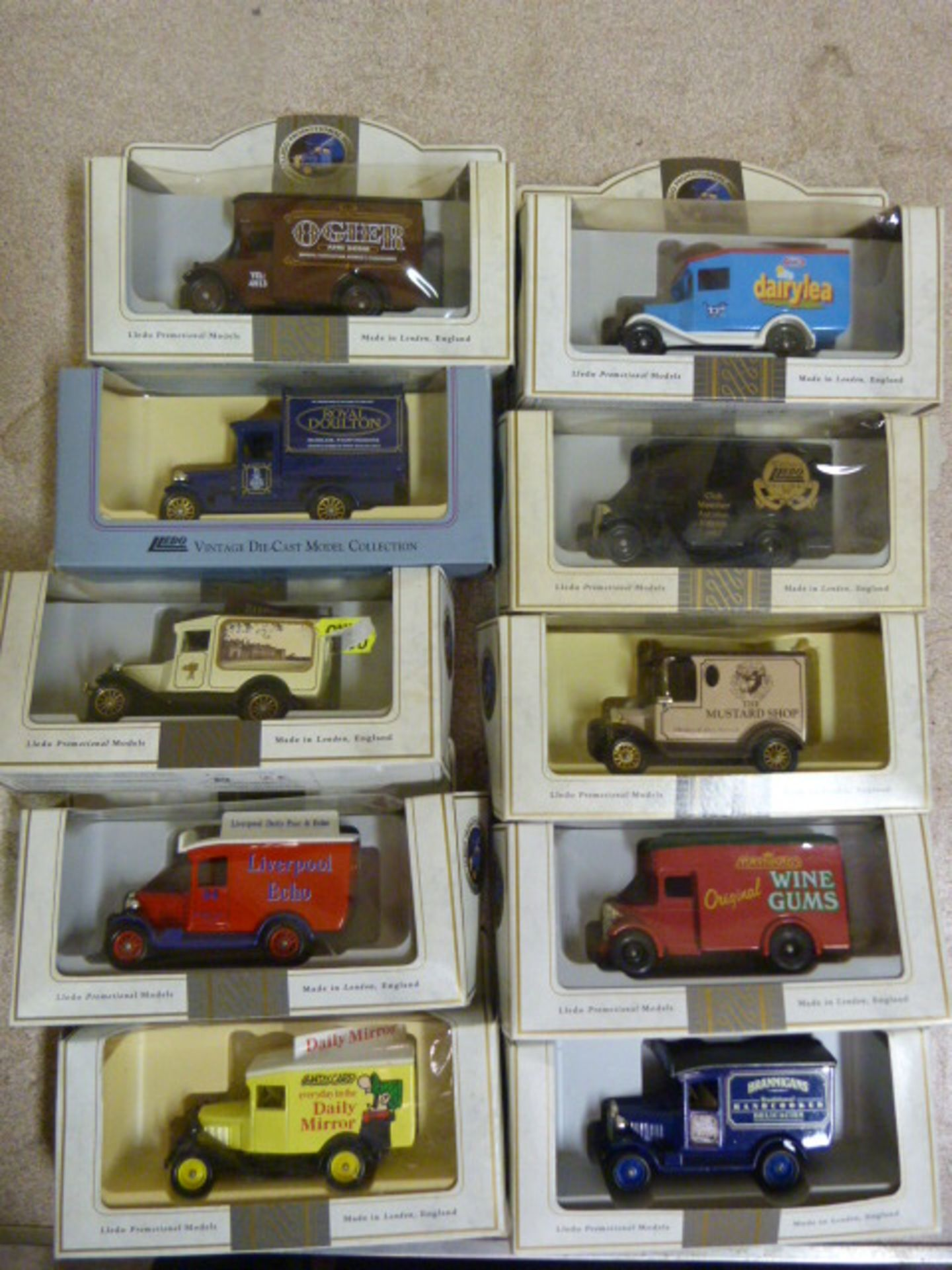 Lot 653 - Ten Model Vintage Vehicles