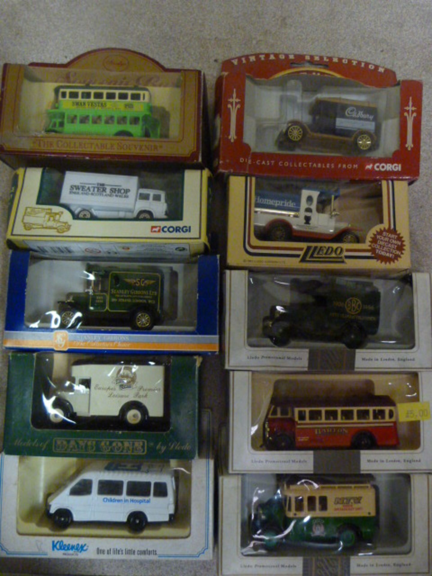 Lot 654 - Ten Model Vintage Vehicles
