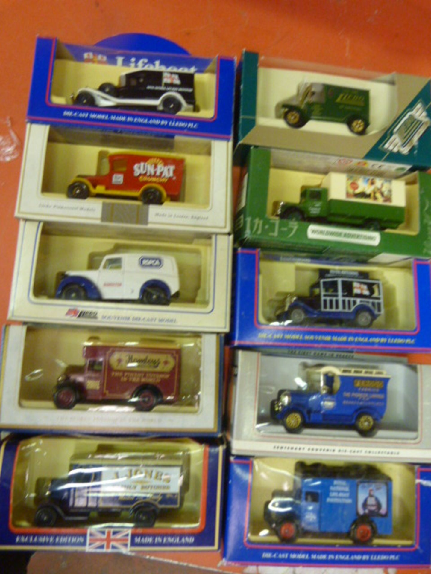 Lot 660 - Ten Model Vintage Vehicles
