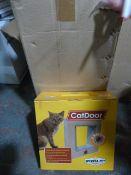 Box of 12 Four Way Locking Medium Pet Doors