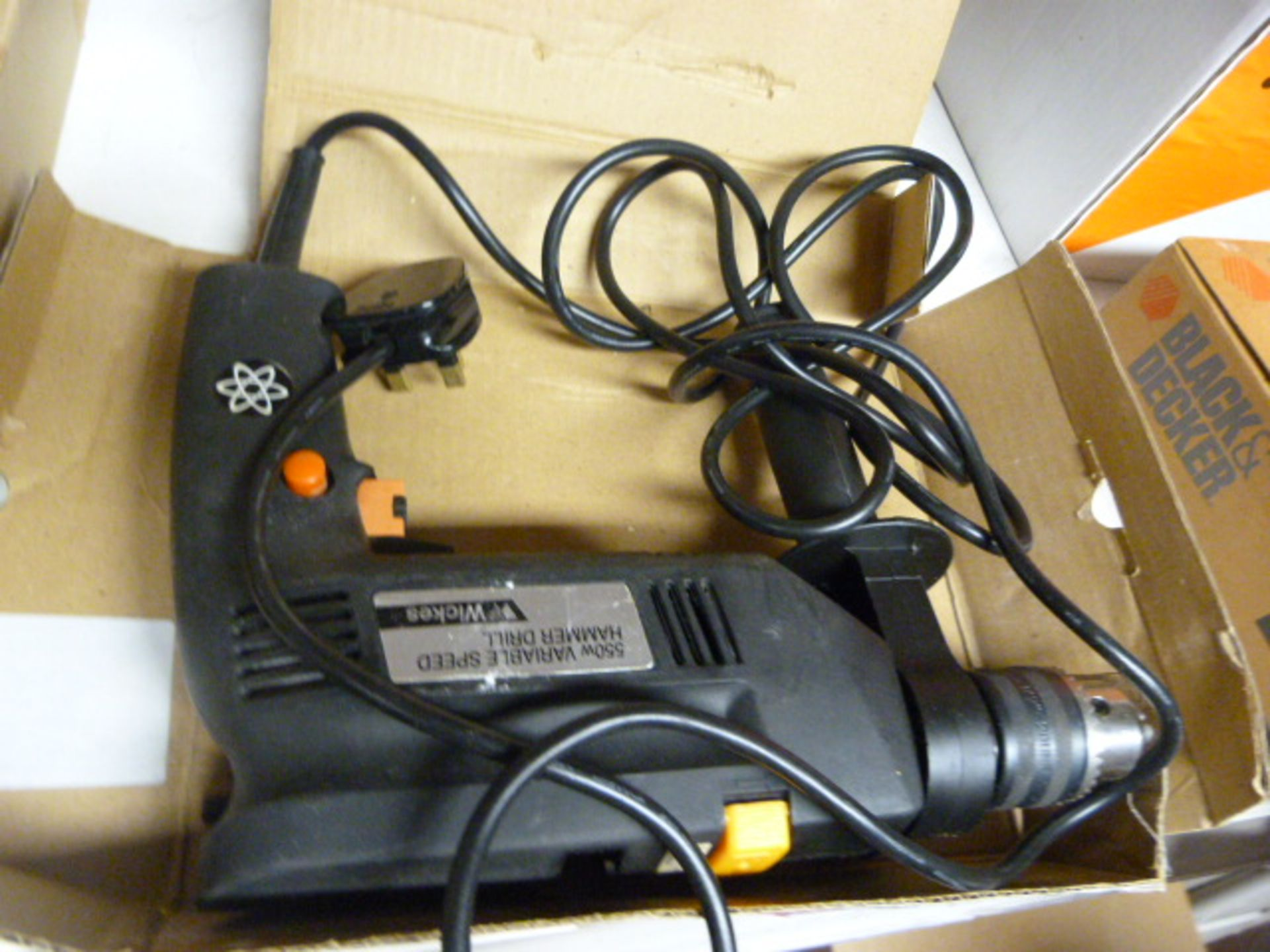 Lot 420 - 550w Variable Speed Hammer Drill