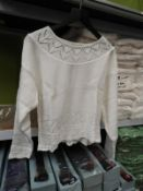 *10 Long Island Ladies Knitted Jumpers (White)