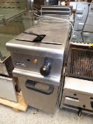 * Lincat single basket pedestal fryer 3 phase electric - complete. Direct from a national chain. (