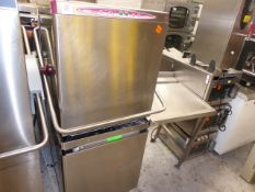 *Maidaid Halcyon pass through dishwasher and feeder tray - good condition from a national chain.