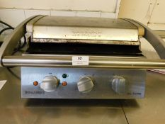 * Roband Grill Station 430w x 450d x 200h
