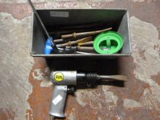 Pneumatic Chisel with Bits