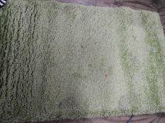 *Green Shag Pile Rug 85x140cm