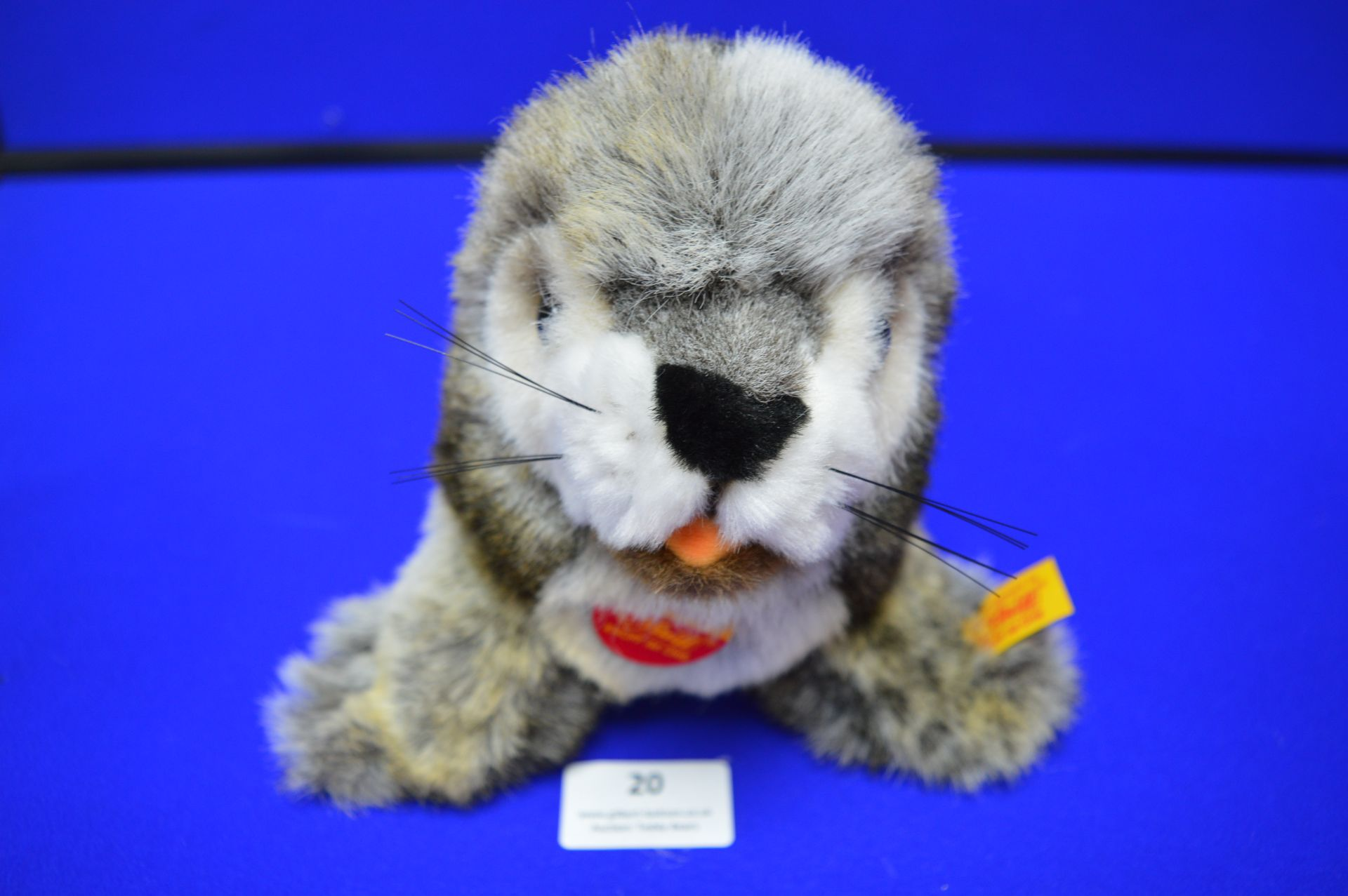 Steiff Robby Seal with Squeak (length 30cm) - Image 4 of 4