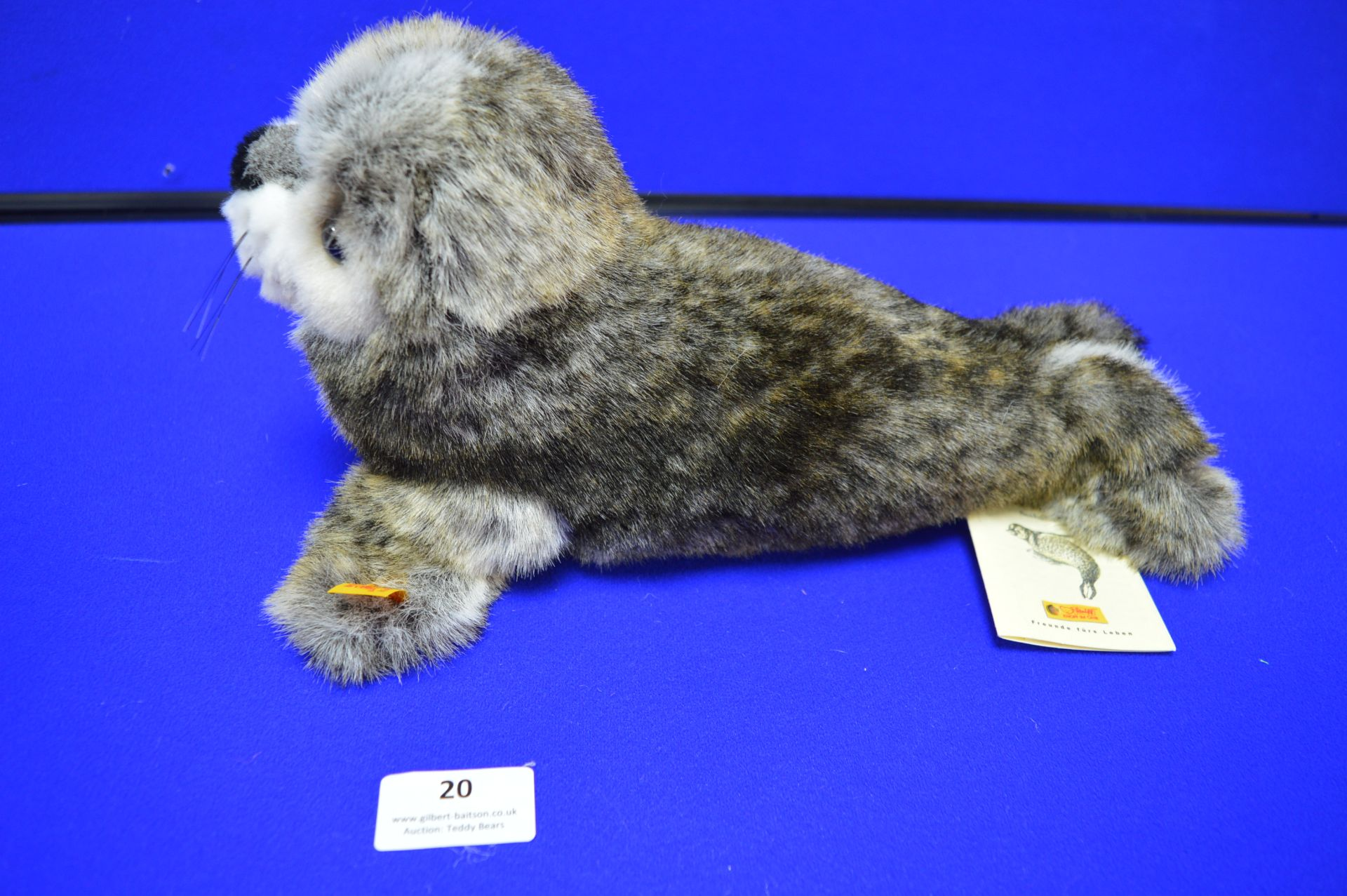 Steiff Robby Seal with Squeak (length 30cm) - Image 2 of 4