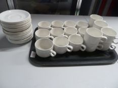 * stacking cups and saucers x approx. 40 items