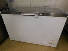 * S/S topped chest freezer 1280w x 720d x 830h