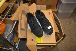 *Pair of Site Safety Trainers Size: 7