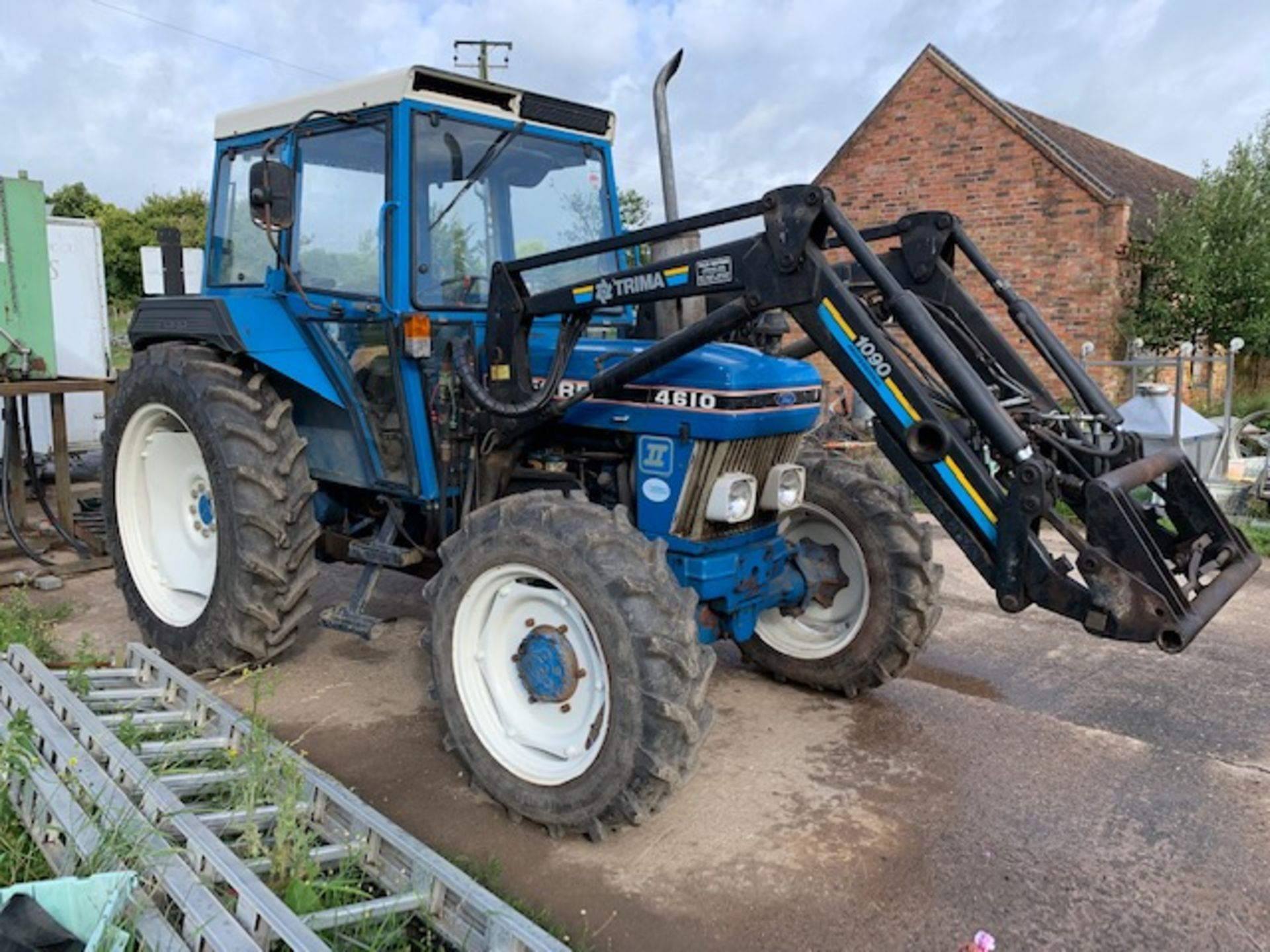 Lot 284 - FORD 4610 TRACTOR 1989