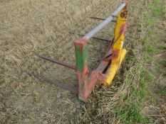 TRACTOR MOUNTED BALE SPIKES
