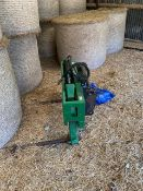 ROUND BALE SQUEEZE TO FIT A MANITOU
