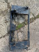 QUICKIE LOADER ATTACHMENT FOR NH TRACTOR