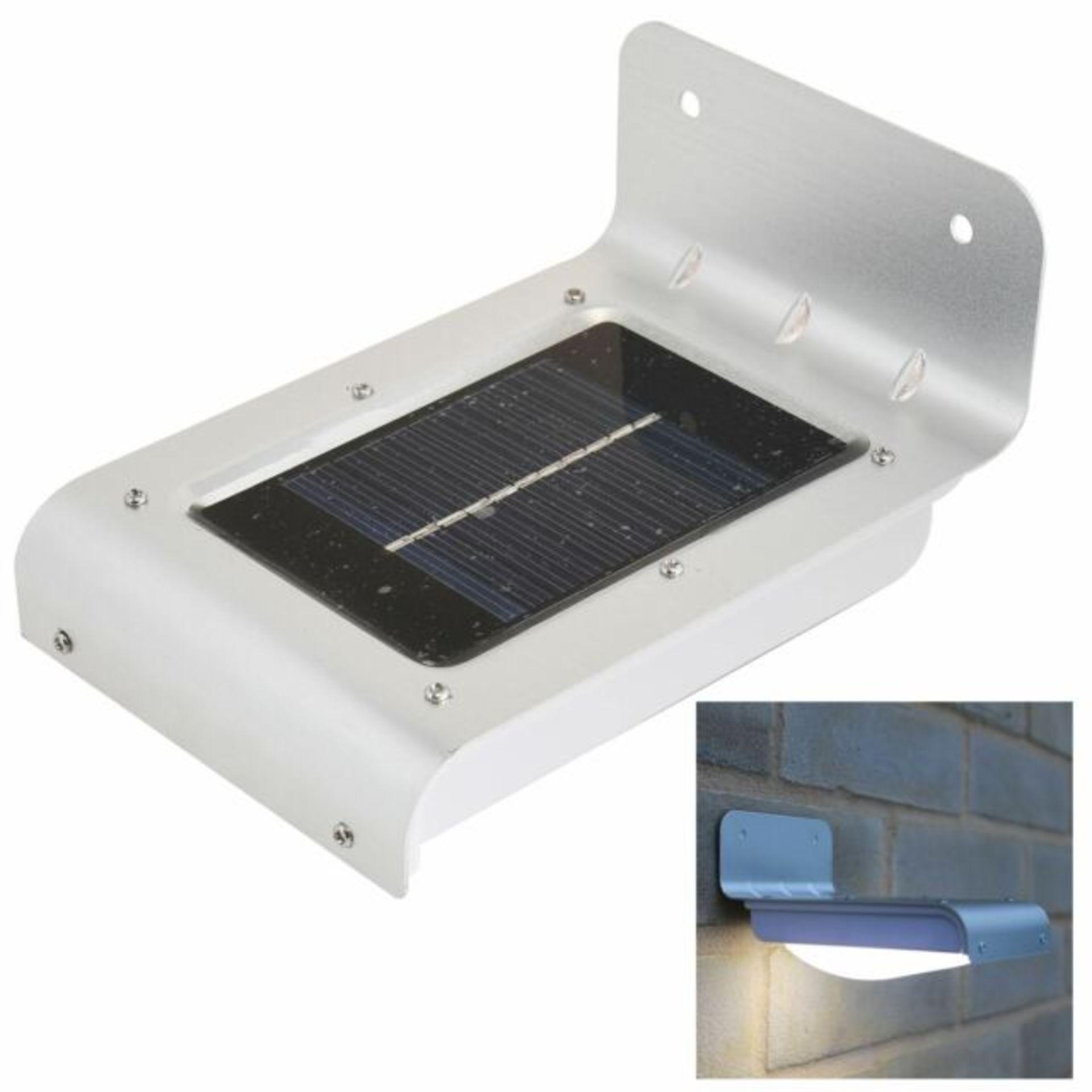Lot 12791 - V Brand New Super Bright 16 LED Solar Motion Sensor Light Including Rechargeable Battery
