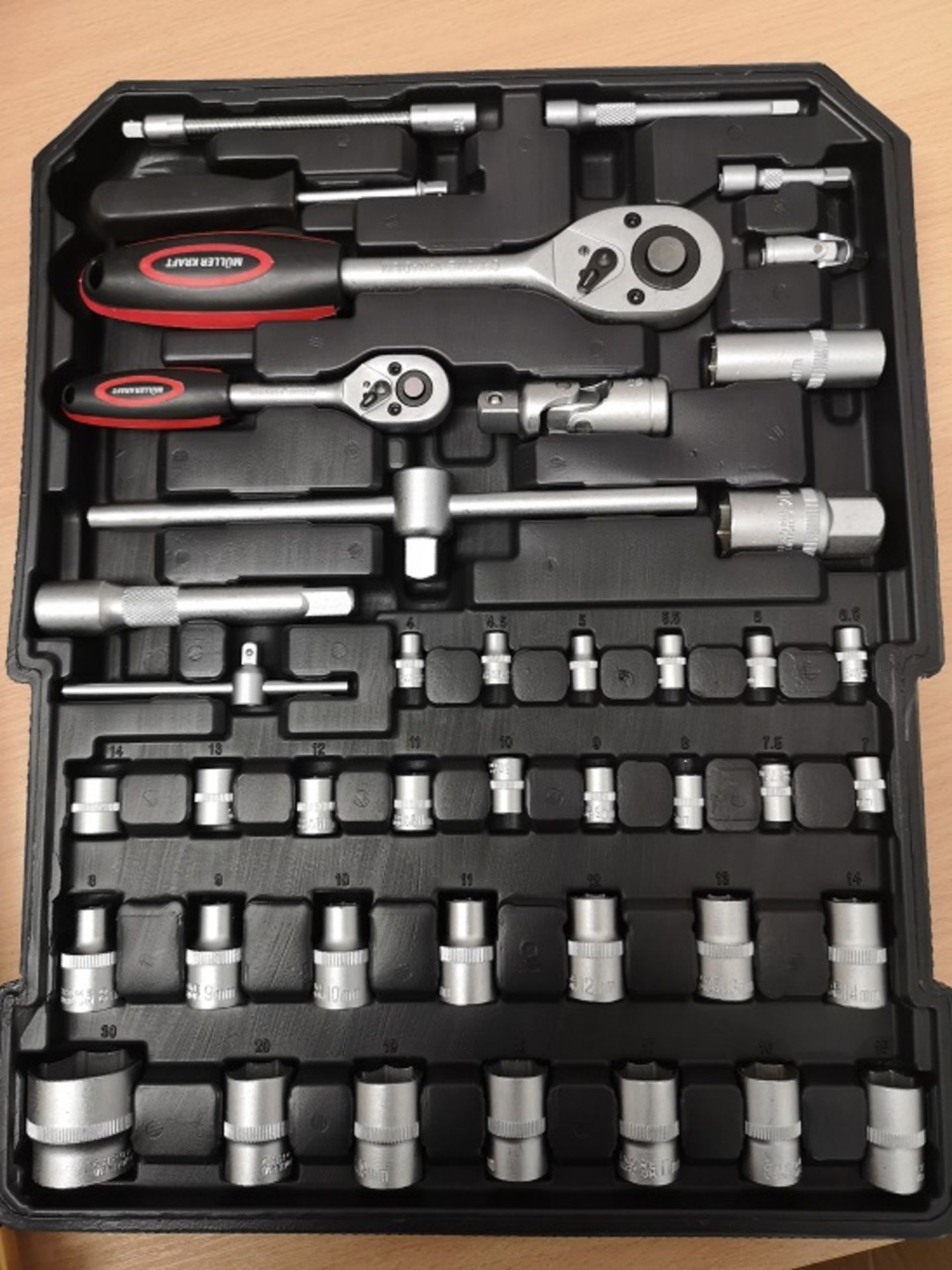 Lot 11834 - V Brand New 186pc (Minimum) Tool Kit In Wheeled Carry Case Includes Rachet Spanners