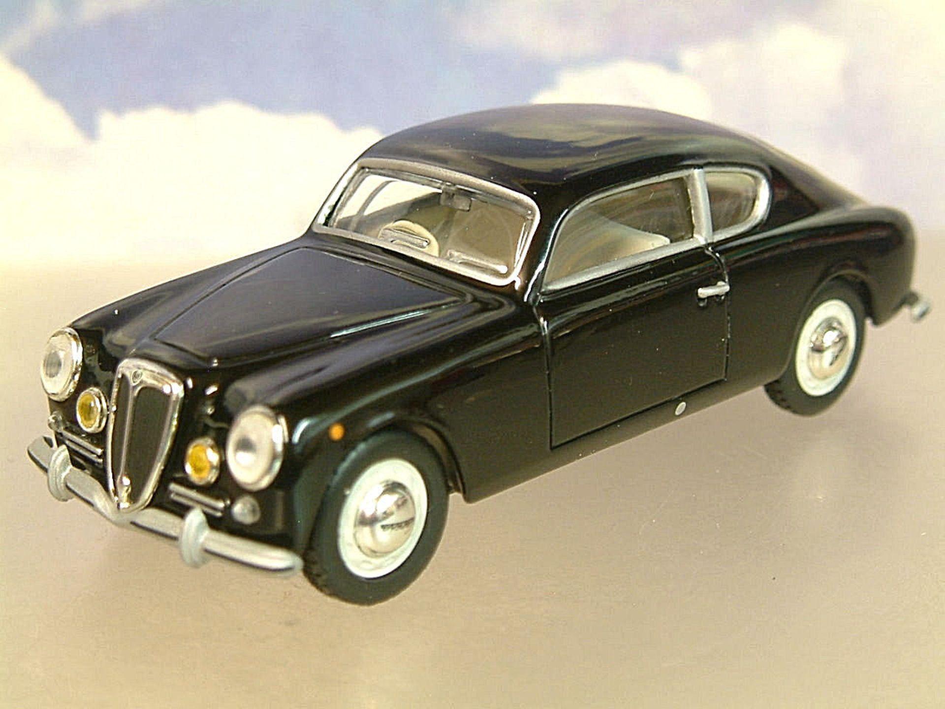 Lot 10026 - V Brand New 1/43 Diecast 1951 Lancia Aurelia Gran Turismo GT B20 - eBay Price £14.95