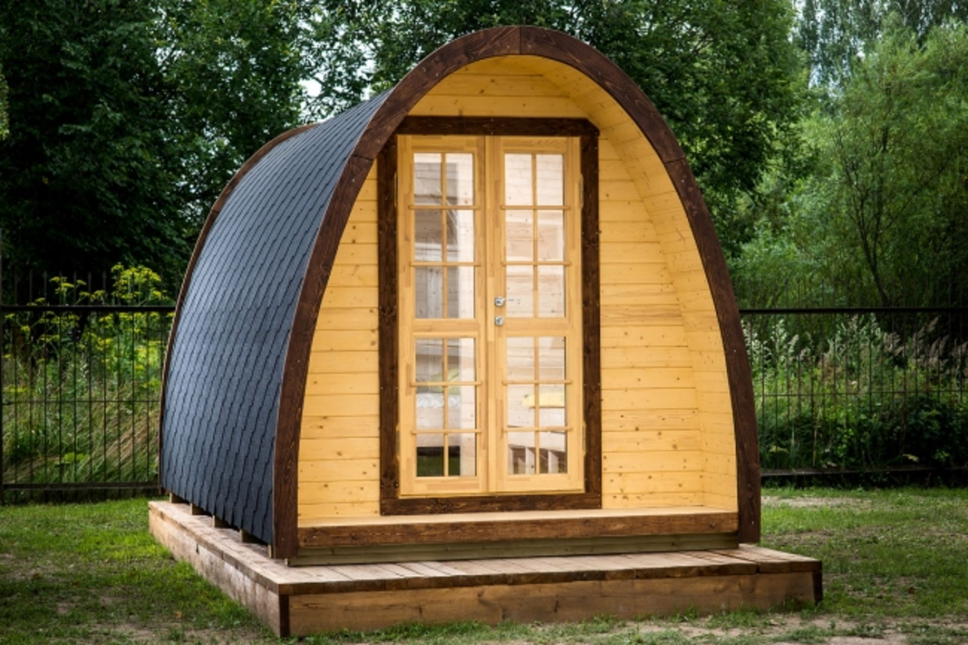 Lot 18058 - V Brand New 9.3m sq (2.4m x 4.8m) Spruce Camping Pod - Holds 2-4 People - Opening Window In The Back