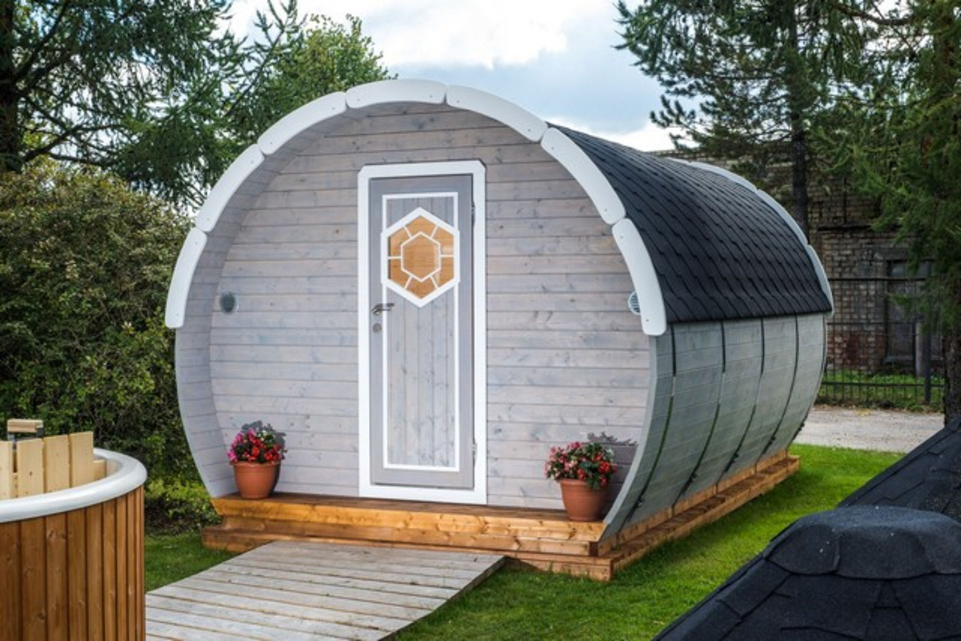 Lot 18008 - V Brand New 9.5M sq Ice-Viking Barrel- Two Rooms (2x2.3m Sleeping Room and Entrance room with