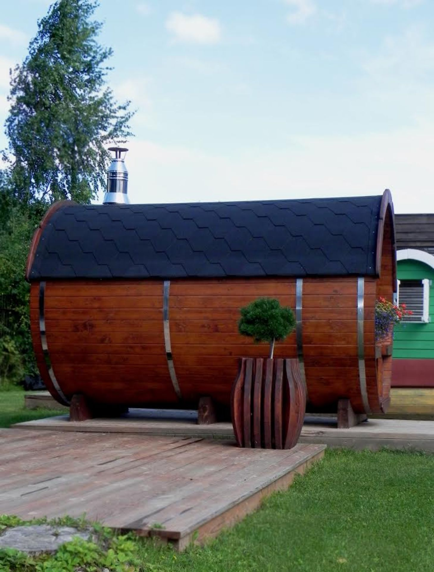 Lot 18011 - V Brand New Wonderful Spruce Sauna Barrel (2.5m length total) With Front Terrace & Powerful Electric
