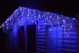 + VAT Brand New 960 Snowing Icicle White/Blue LED Lights - 8 Multi Function Control - Indoor &