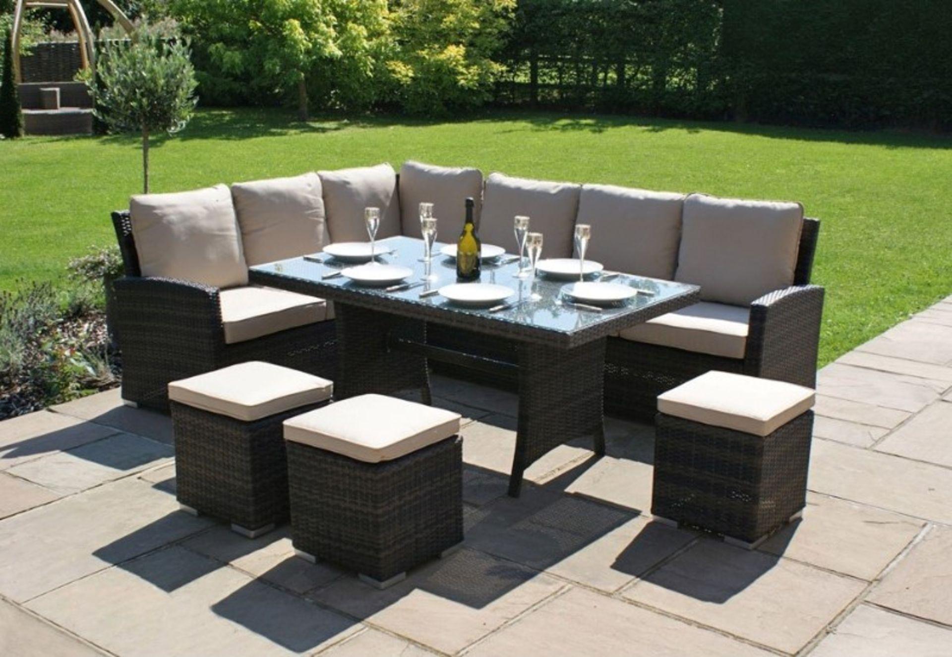 Lot 15012 - + VAT Brand New Chelsea Garden Company 8-Seater Light Brown Rattan Luxury Corner Outdoor Dining Set
