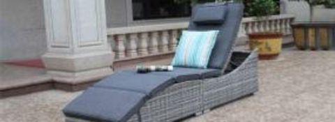 + VAT Brand New Chelsea Garden Company Rattan Aluminium Frame Sunbed - Double 1/2 Round Rattan