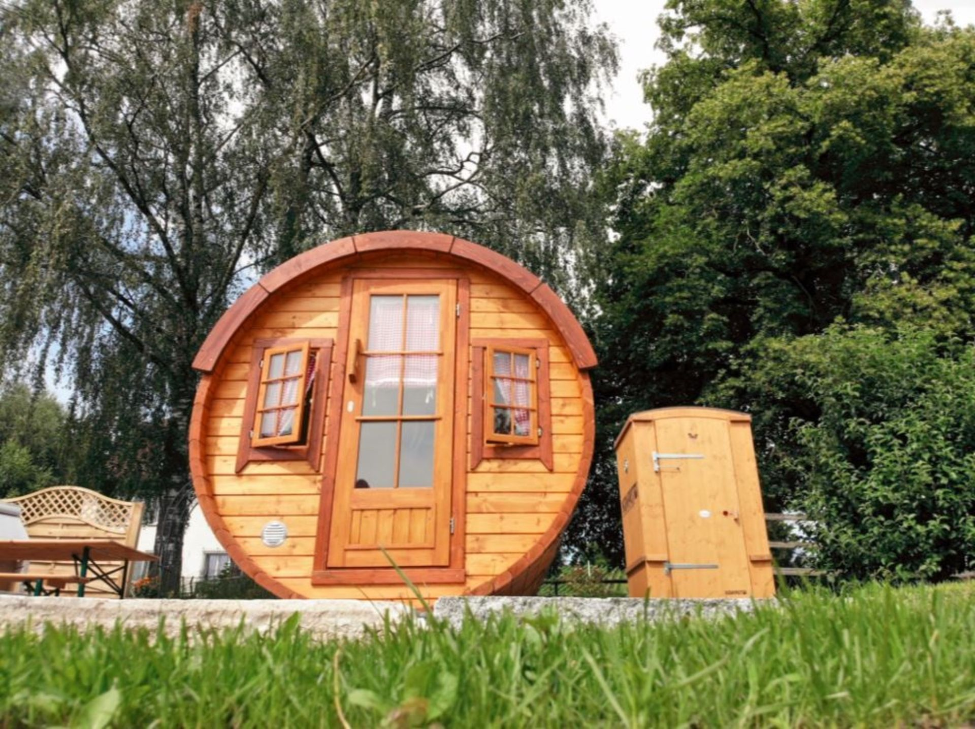 Lot 19033 - + VAT Brand New 2.2 x 4.4m Barrel For Sleeping - Family Size - Sleeping & Sitting Rooms Inside -
