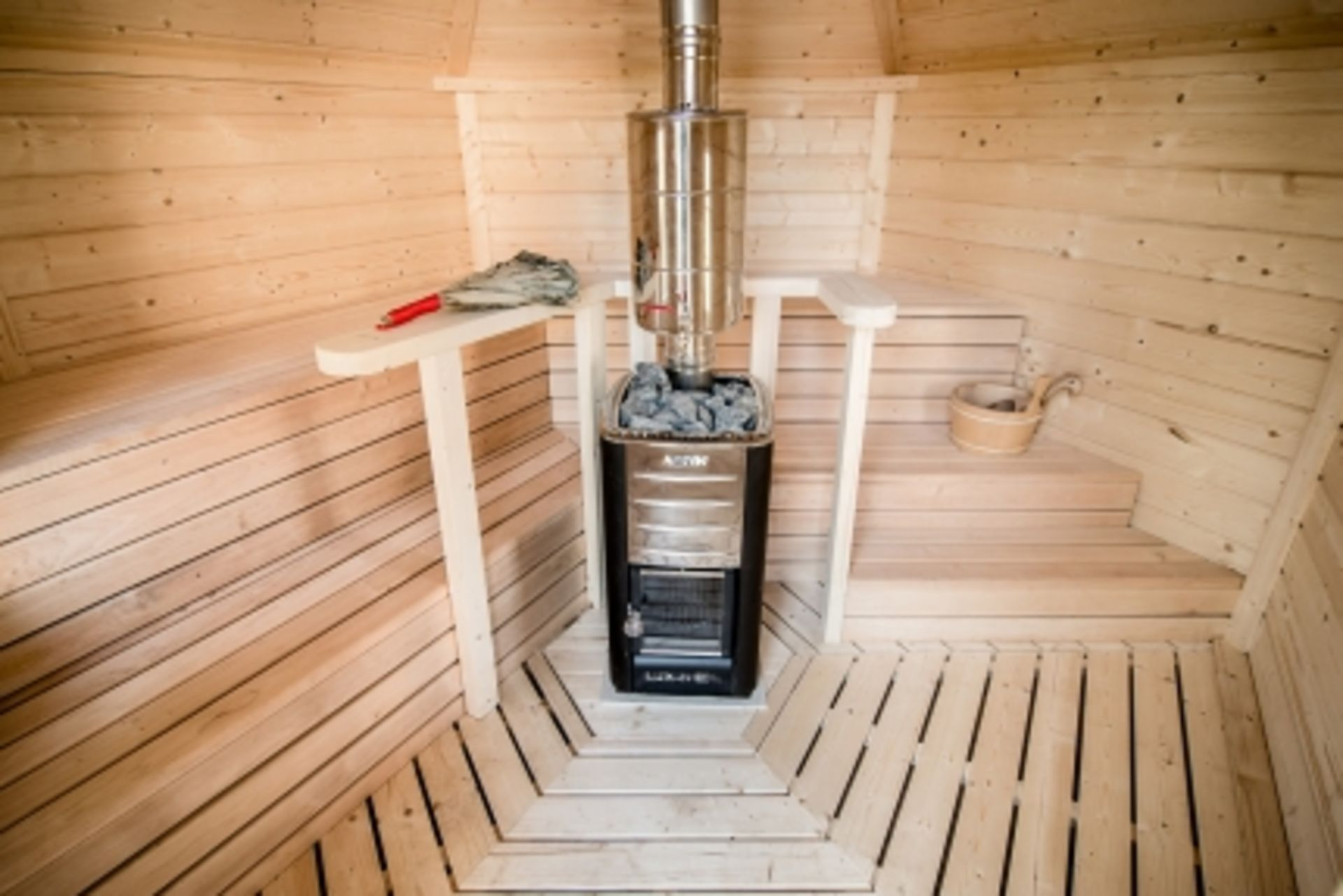 Lot 19012 - + VAT Brand New 7m Sq Sauna Cabin - Roof Covered With Bitumen Shingles - Two Double Glass Windows -