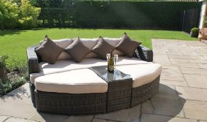 + VAT Brand New Chelsea Garden Company Rattan Day Bed & Table Set - Aluminium Frame - 5mm Glass Top