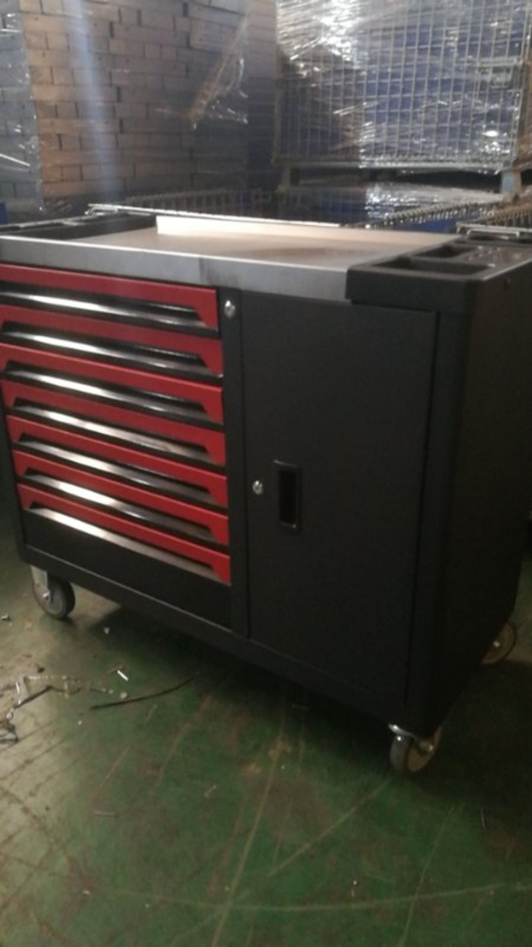 + VAT Brand New Seven Drawer Locking Garage Tool Cabinet With Seven Drawers - Six Drawers Contain - Image 2 of 8