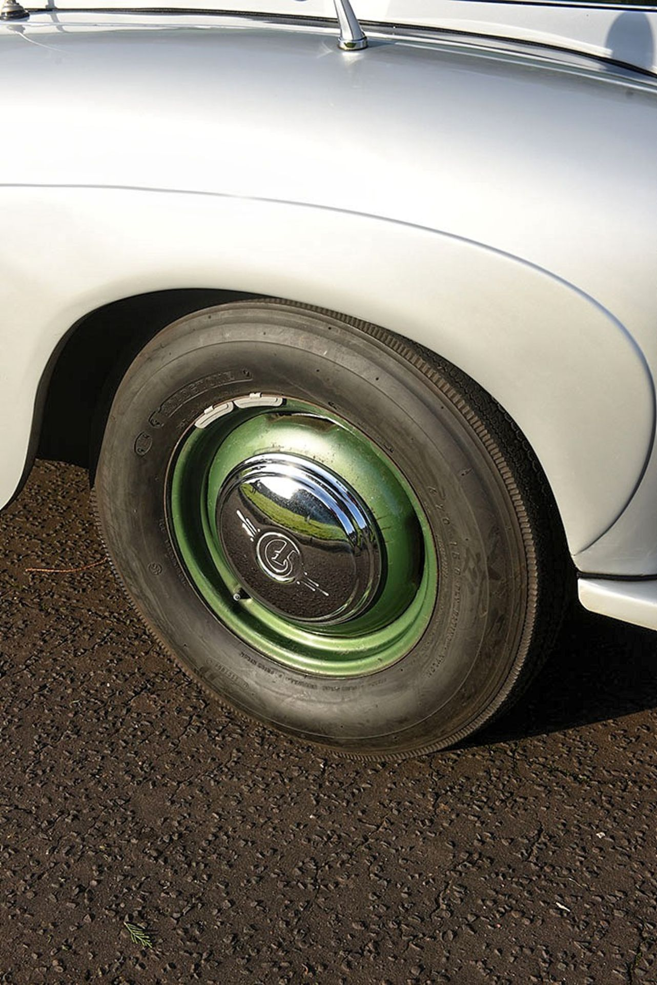 Lot 3 - RXR 390 1955 Daimler Conquest 100 BHP c/w power hood & pre-selector gear box