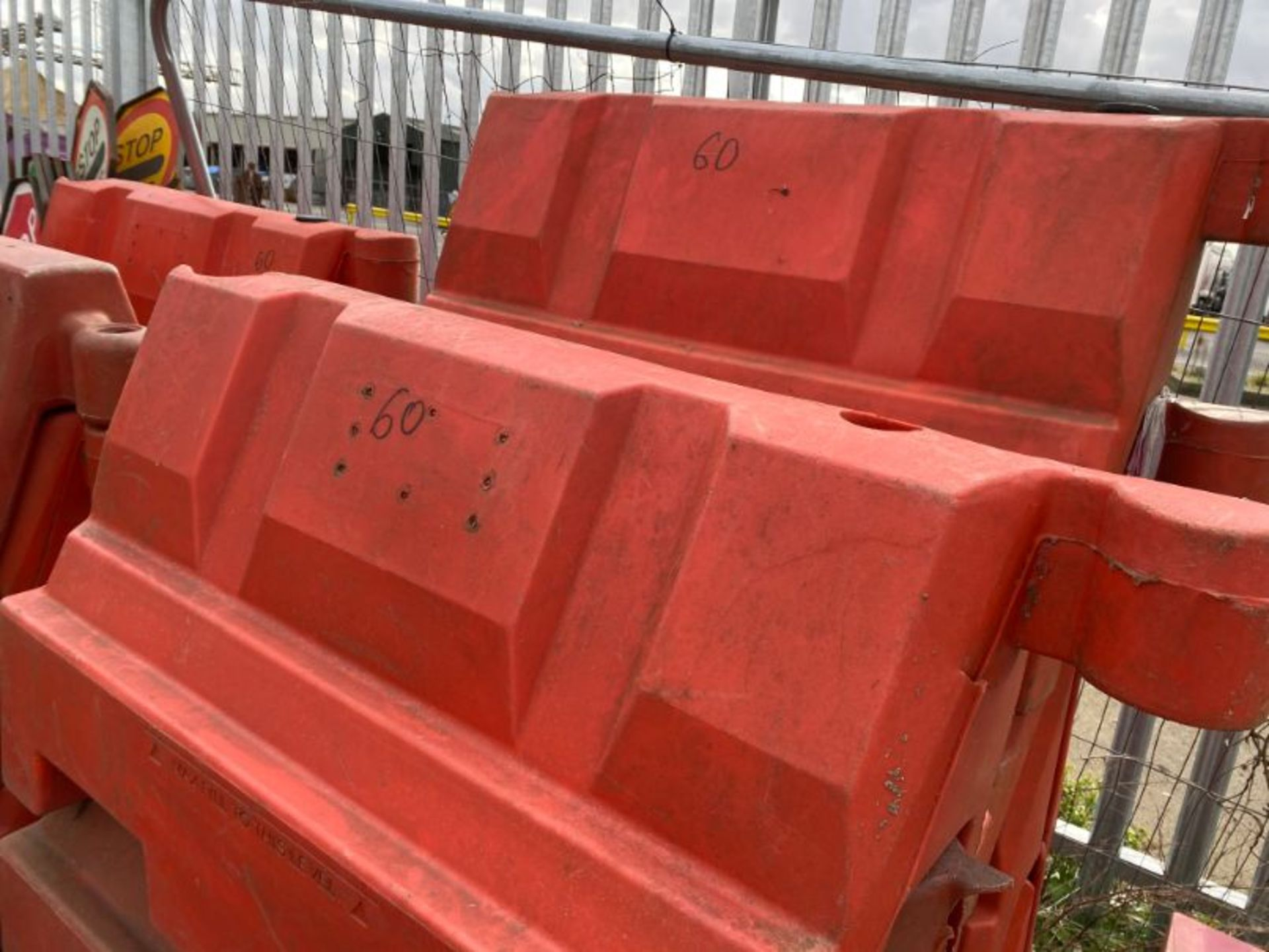Lot 60 - Qty various interlocking barrier blocks, as lotted