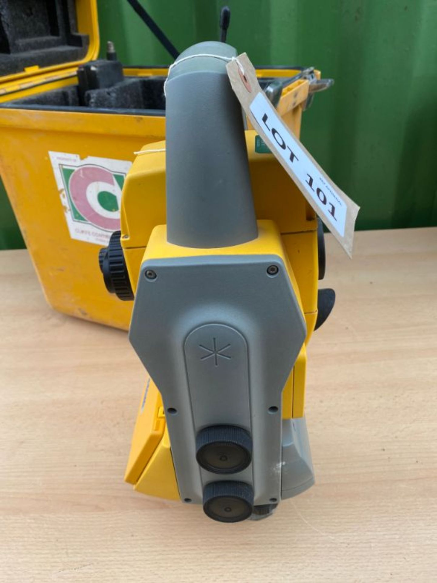 Lot 101 - Trimble Direct Reflex DR200+ reflectorless robotic total station, serial no: 6332/902: with ACU,