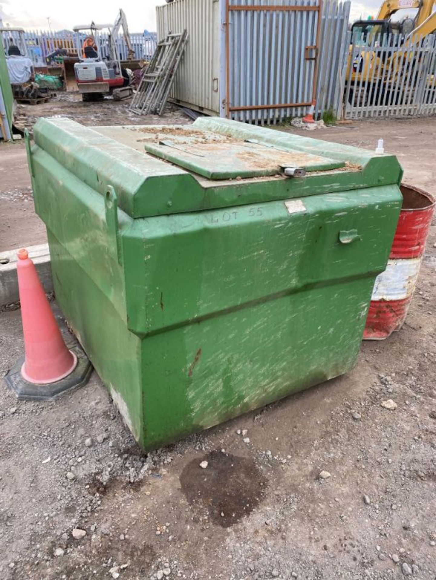 Lot 55 - Fuel Flask 1,000 litre steel fabricated bunded diesel tank with stirrup pump and gun
