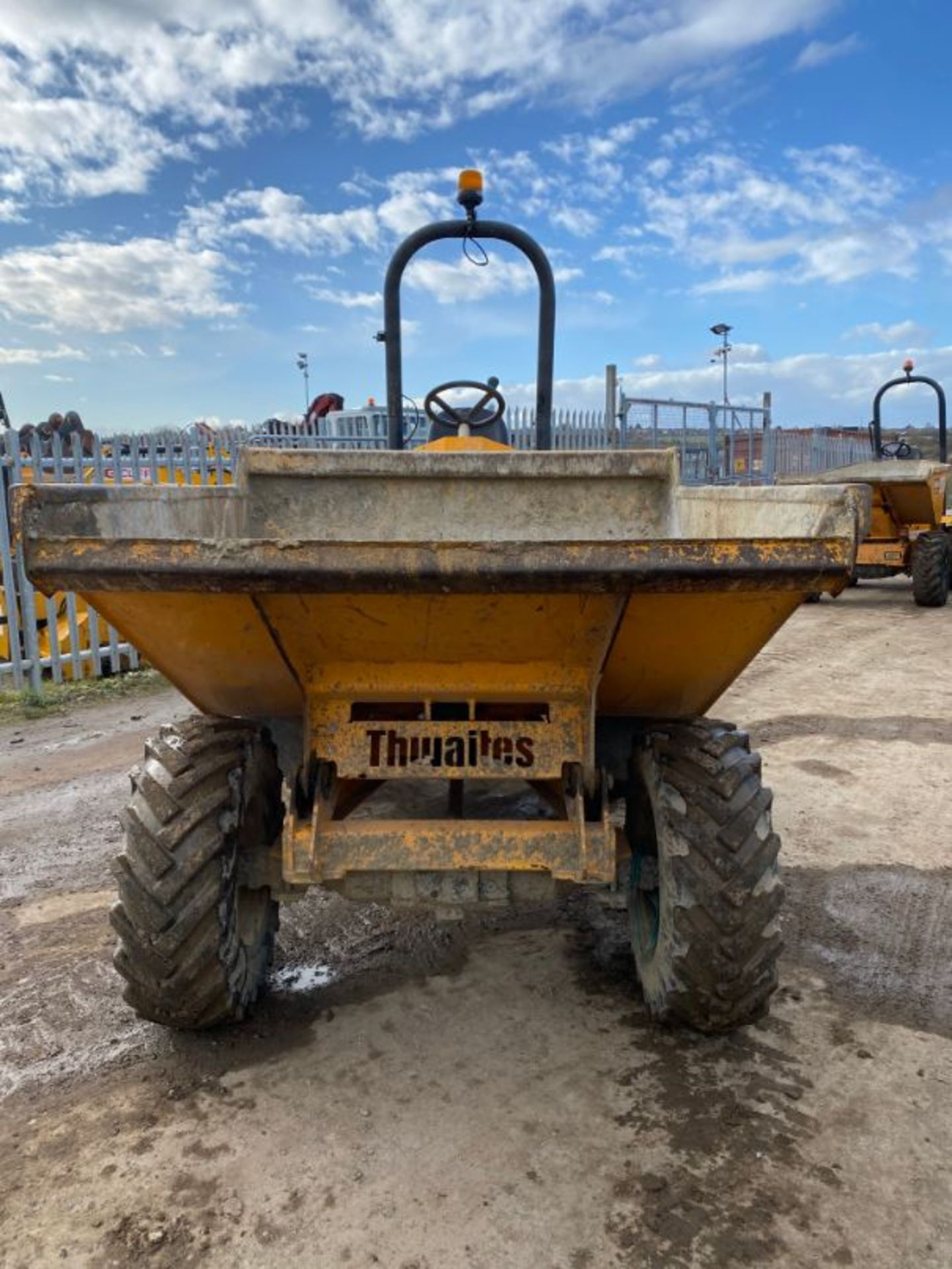 Lot 11 - Thwaites Mach 570 3-tonne straight tip dumper truck, serial no: SLCM570Z1608D3086 (2016): 735 recor