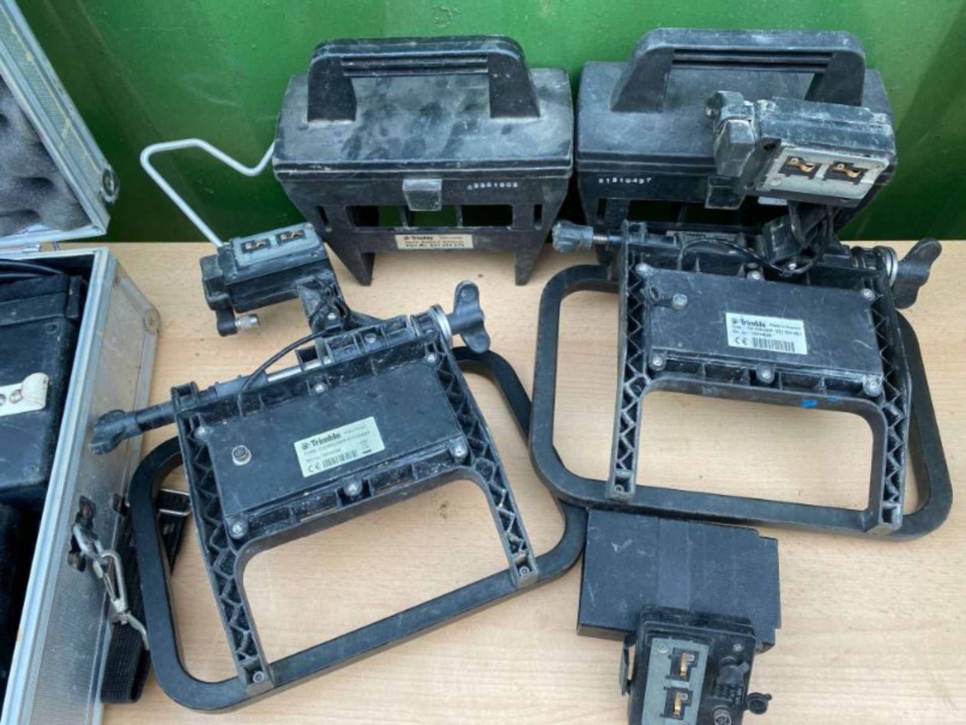 Lot 103 - Range of Trimble accessories including muti battery adapter x 2, CU holder x 2, charger and