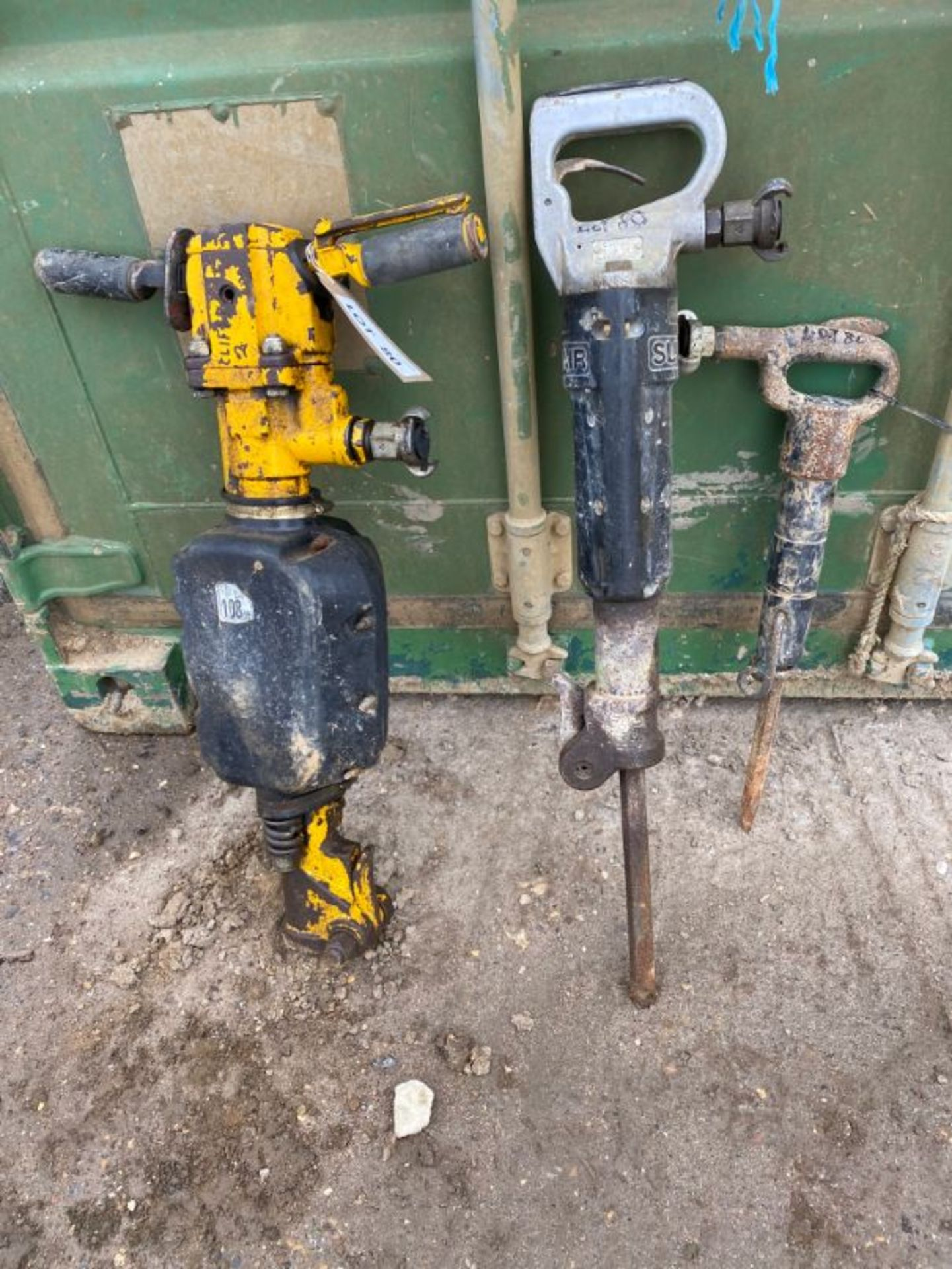 Lot 80 - Various pnuematic drills x 3, as lotted