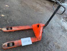Lansing pallet truck - 2000kg SWL
