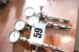 4x 4-Bar Capacity, Stainless Steel Pressure Gauges, 3x with Isolation Valves